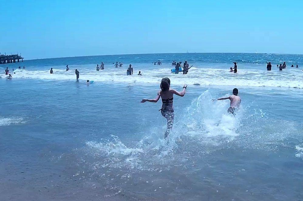 Baño-en-Santa-Mónica
