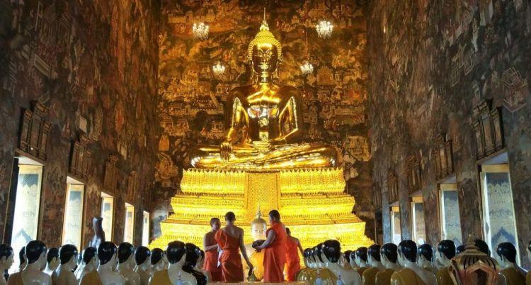 Buda templo Wat Suthat