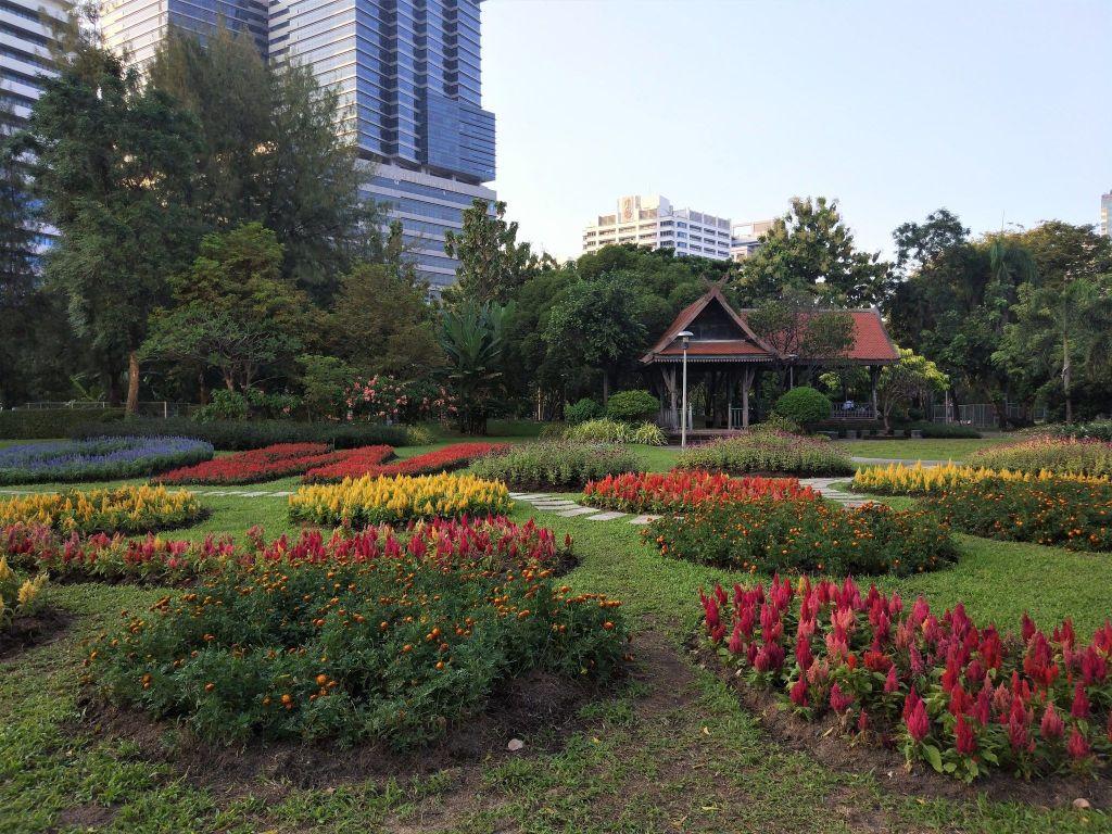 Flores Lumphini Park