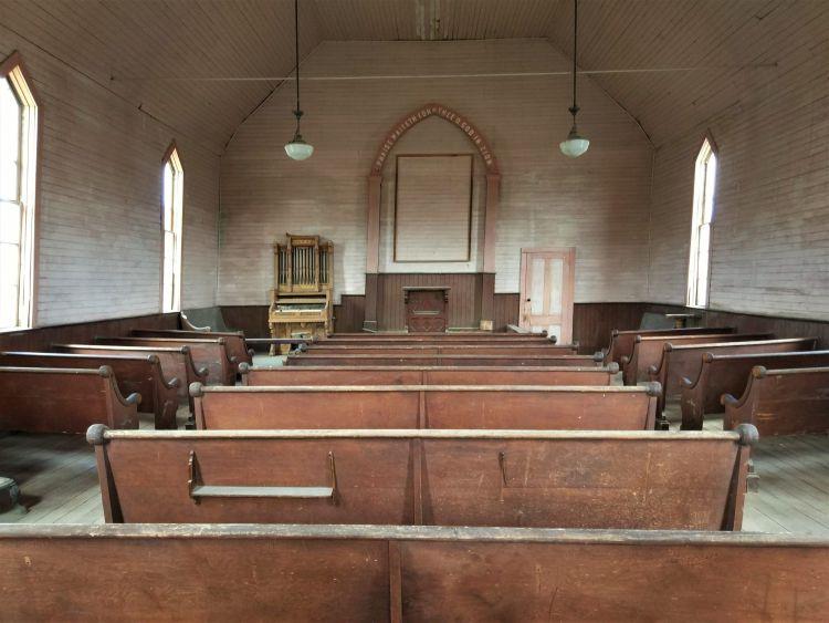 Interior de la iglesia de Bodie