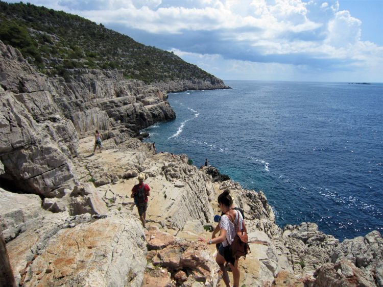 Llegando a Odysseus cave