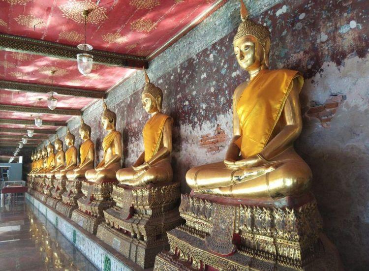 Pasillo Budas