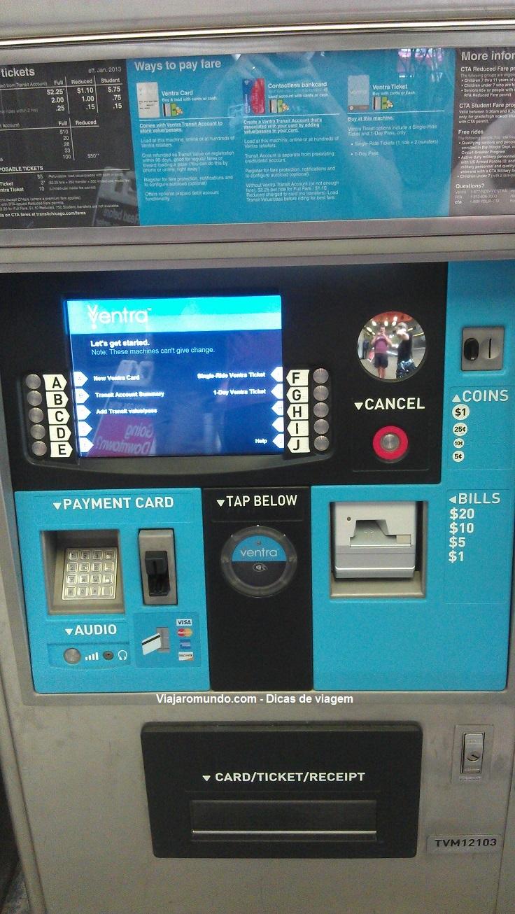 Máquina para comprar as passagens de metrô