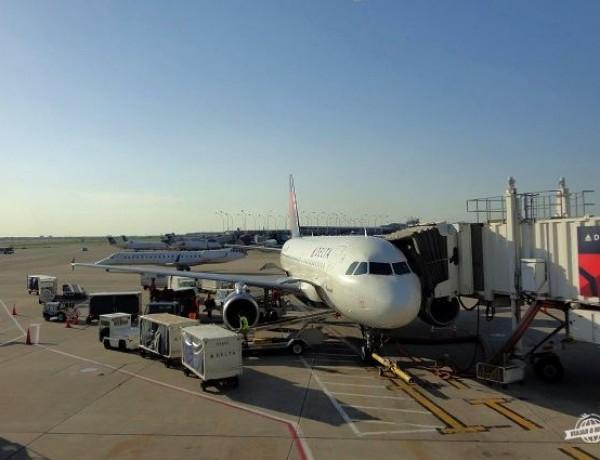 De Chicago a Atlanta: Metrô, Aeroporto O'Hare/Chicago e Econômica da Delta