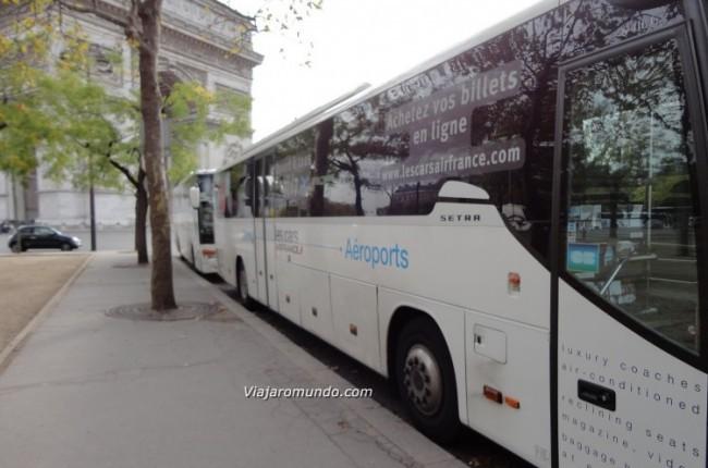 Parada final da linha 2: Étoile/Champs Elysées: