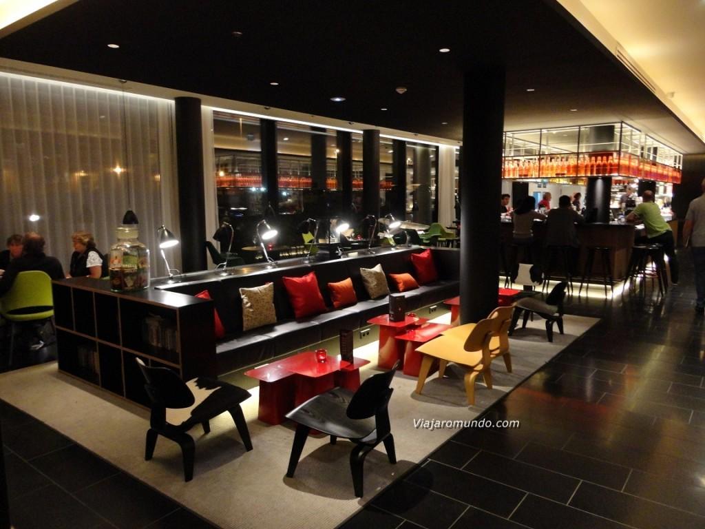 citizenm paris charles de gaulle hotel. Black Bedroom Furniture Sets. Home Design Ideas