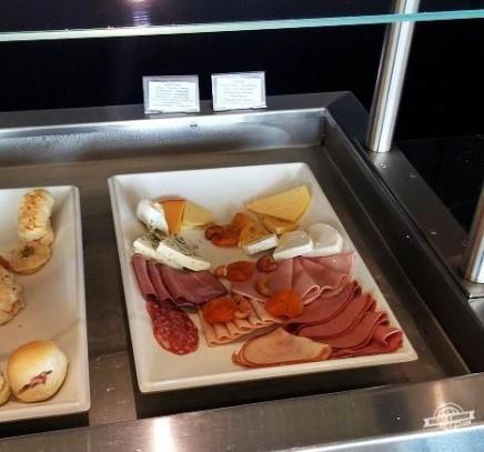 Frios e queijos