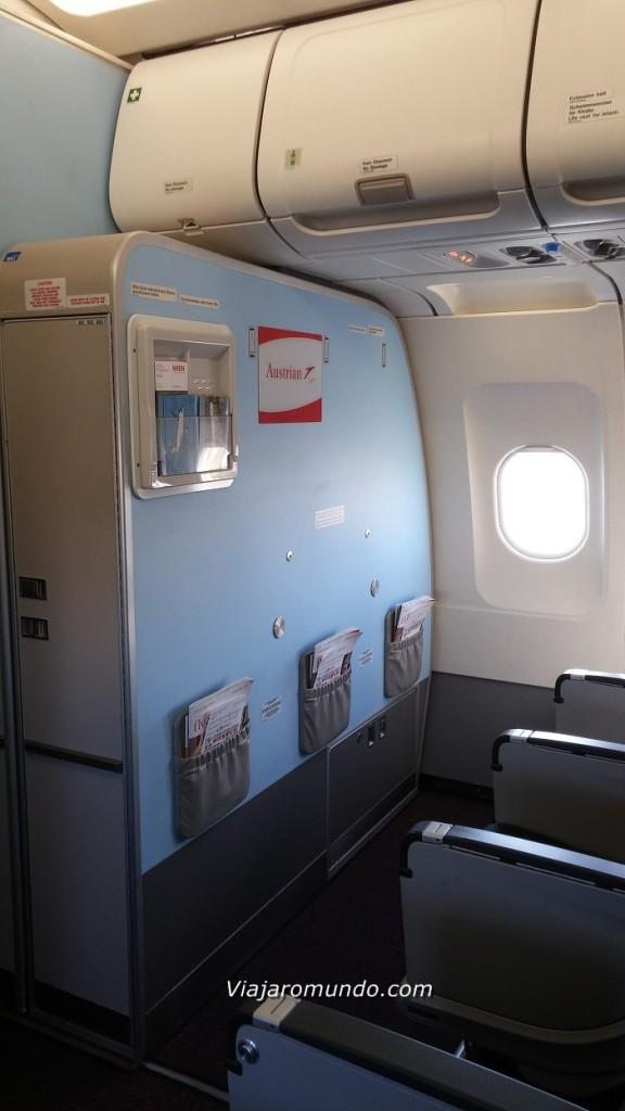 Primeira fileira do lado direito da aeronave