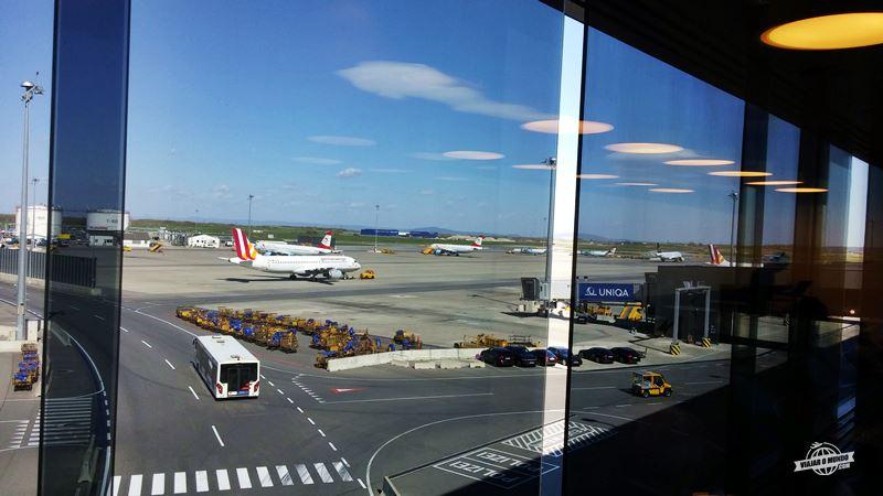 Vista para o pátio de aeronaves