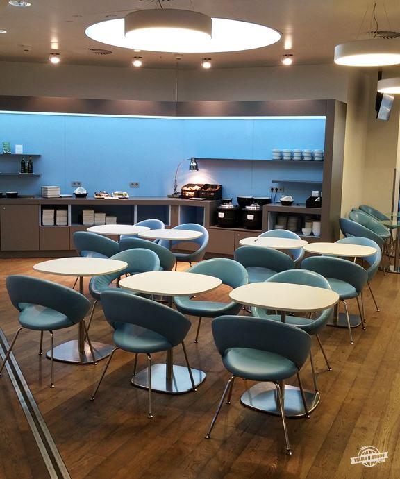 Cadeiras e mesas