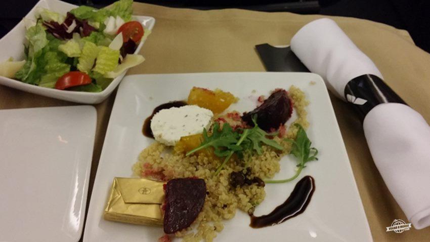 Salada de quinoa com beterraba