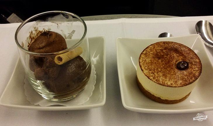 Sobremesa: Sorvete e Cappuccino Mousse Cake