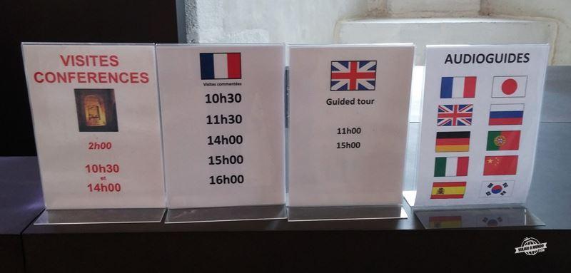 Horários das visitas conferência, das visitas guiadas e línguas disponíveis para o áudio guia.