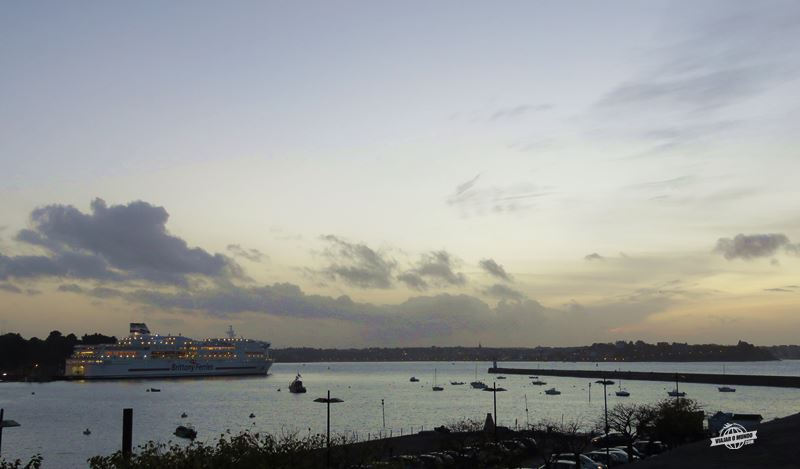 Ferry no Porto de Saint-Malo