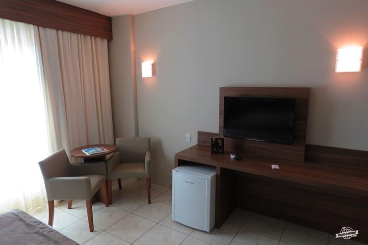 Mesinha, TV, Frigobar - Ecologic Ville Resort
