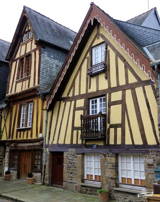 Fougères - bairro medieval / Place du Marchix