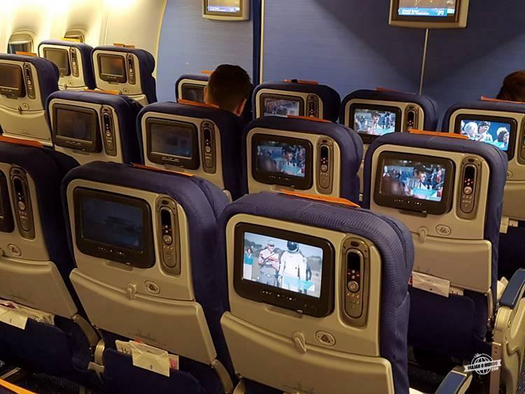 Assentos Economy Comfort do Boeing 777-300 da KLM