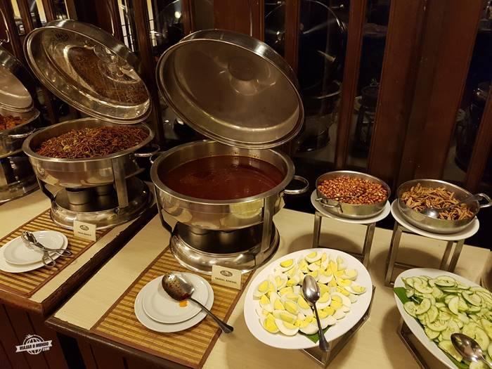 Café da manhã - Palm Garden Hotel