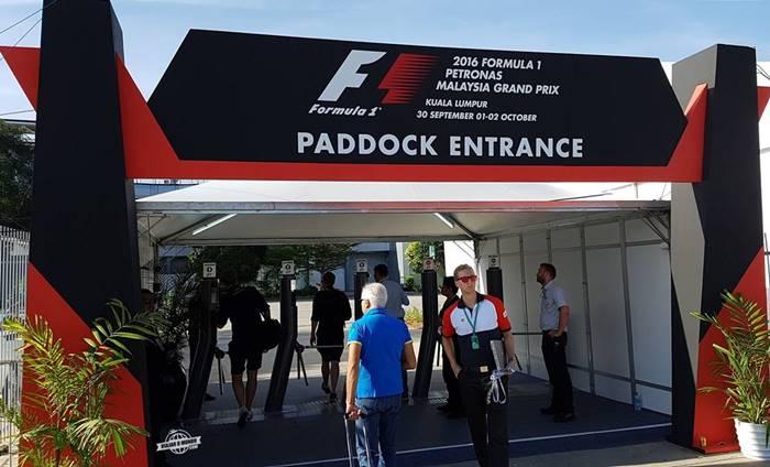 Bastidores da F1 - entrada principal