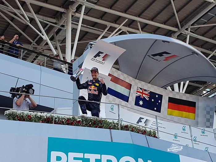 Podium: Ricciardo, o grande vencedor