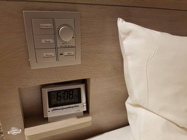 Cabeceira da cama - Quarto do Sotetsu Fresa Inn Ginza-Nanachome