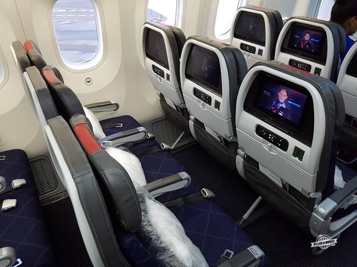 Assentos da Classe Econômica do 787 da American Airlines