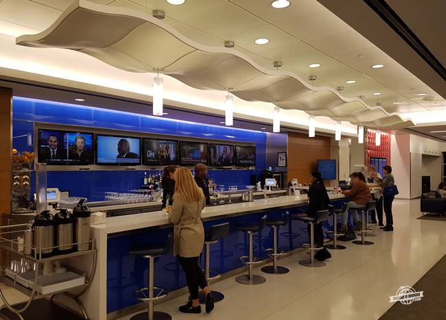 The Bar - Sala VIP Delta Sky Club do aeroporto JFK Terminal 4