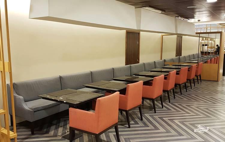 Buffet - Sala VIP SilverKris Lounge Singapore em Heathrow
