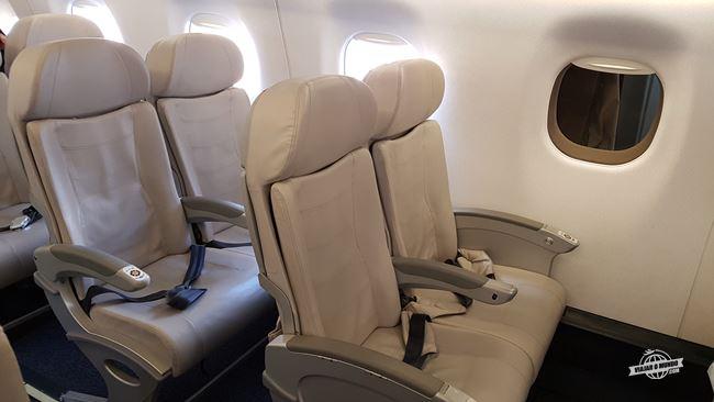 Assentos Espaço Azul Embraer E195