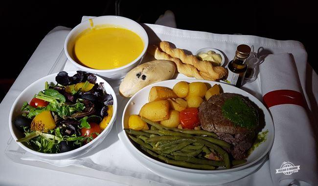 Jantar - classe executiva da Latam
