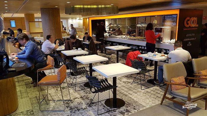 Buffet - Gol Premium Lounge Doméstico do Aeroporto de Guarulhos
