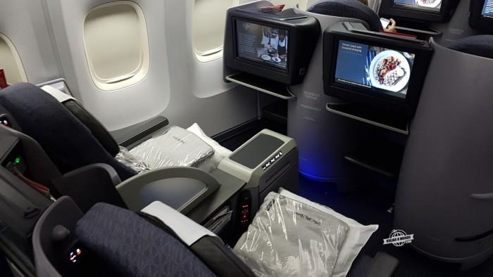 Assentos 4A e 4B da Classe Executiva United Polaris