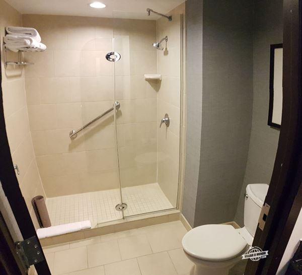 Banheiro - Hyatt Place Herndon/Dulles Airport-East