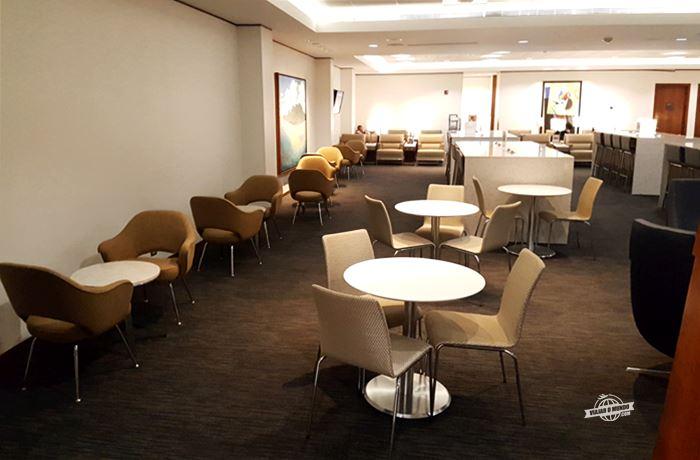 United Club: Sala VIP da United em Dulles (portão C7)