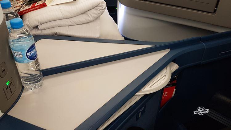 Separação entre os assentos centrais - Classe Executiva Delta One do A330