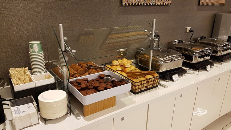 Cookies, Muffins e pães - Delta Sky Club Terminal F do Aeroporto de Atlanta