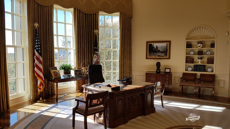 Réplica, em tamanho natural, do Salão Oval da Casa Branca - George W. Bush Presidential Library & Museum
