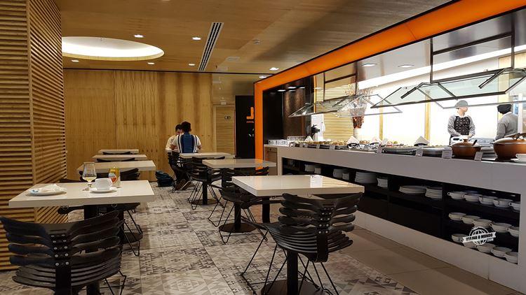 Mesas do Buffet - Gol Premium Lounge Doméstico Galeão