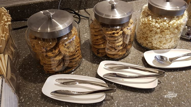 Cookies e pipoca - Delta Sky Club do Aeroporto de Dallas