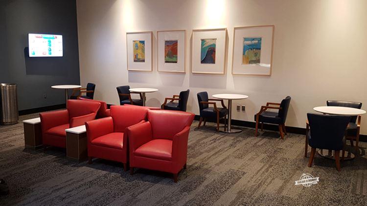 Ambiente próximo à recepção - Delta Sky Club do Aeroporto de Dallas