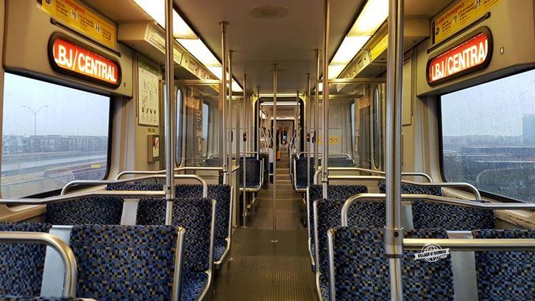 Trem do Aeroporto para o centro de Dallas