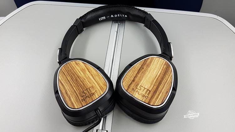 Fones de ouvido - Classe Executiva Delta One do 767 (ATL - GIG)