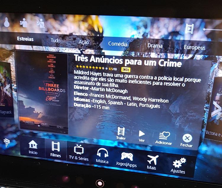 Sistema de entretenimento da classe econômica do Boeing 767 da Latam (Barcelona - São Paulo)
