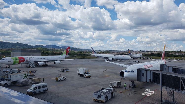 Aeronaves das cias aéreas europeias reunidas no pátio do terminal 3 de Guarulhos