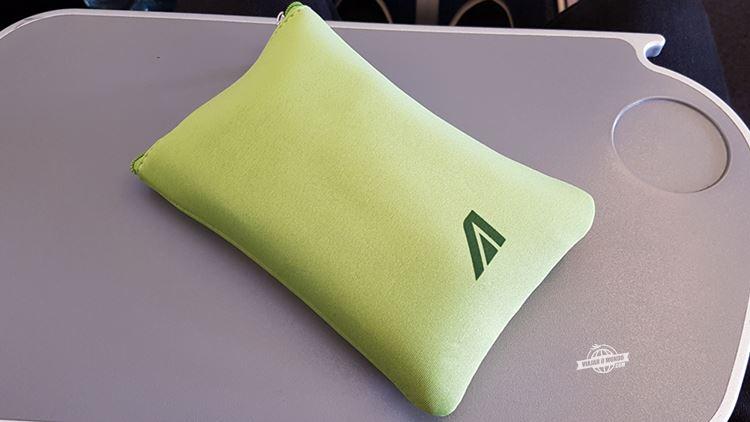 Amenity Kit da Premium Economy da Alitalia