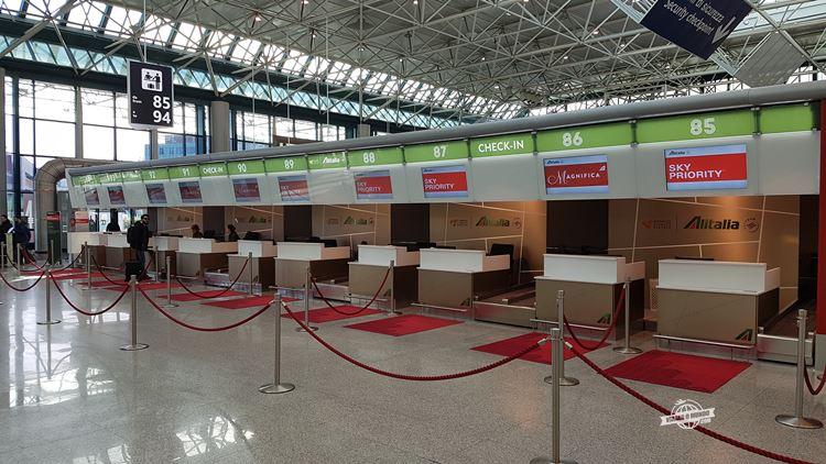 Check-in prioritário da Alitalia no Aeroporto Fiumicino - Roma