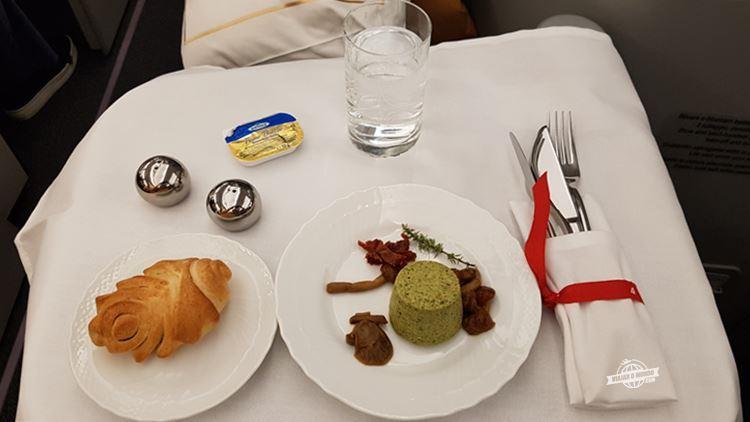 Entrada do jantar da Classe Executiva da Alitalia