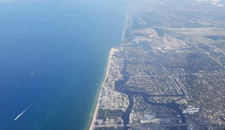 Aproximação do Aeroporto de Fort Lauderdale. Viajar o Mundo