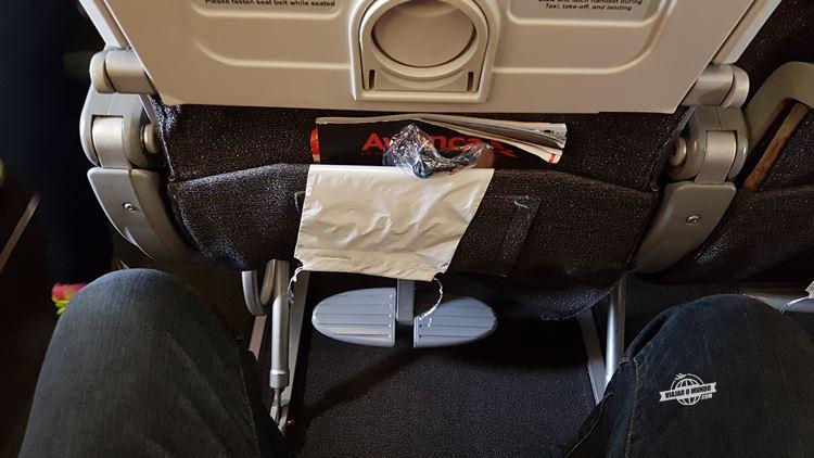 Apoio para os pés - Classe Econômica do A330 da Avianca Brasil - Blog Viajar o Mundo. Viajaromundo.com