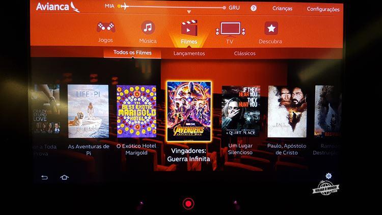 Sistema de Entretenimento - Classe Econômica do A330 da Avianca Brasil - Blog Viajar o Mundo. Viajaromundo.com
